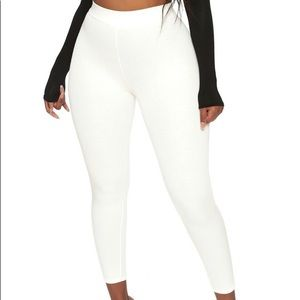 New with tag Naked wardrobe leggings white SMALL